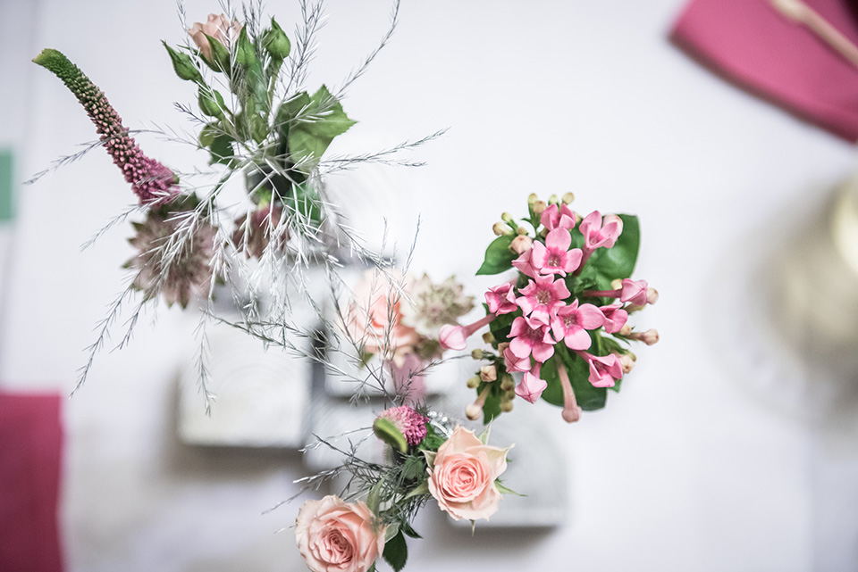 květinová-dekorace-na-svatební-stůl-svatební-květiny-brno-klára-uhlířová-floristika-brno