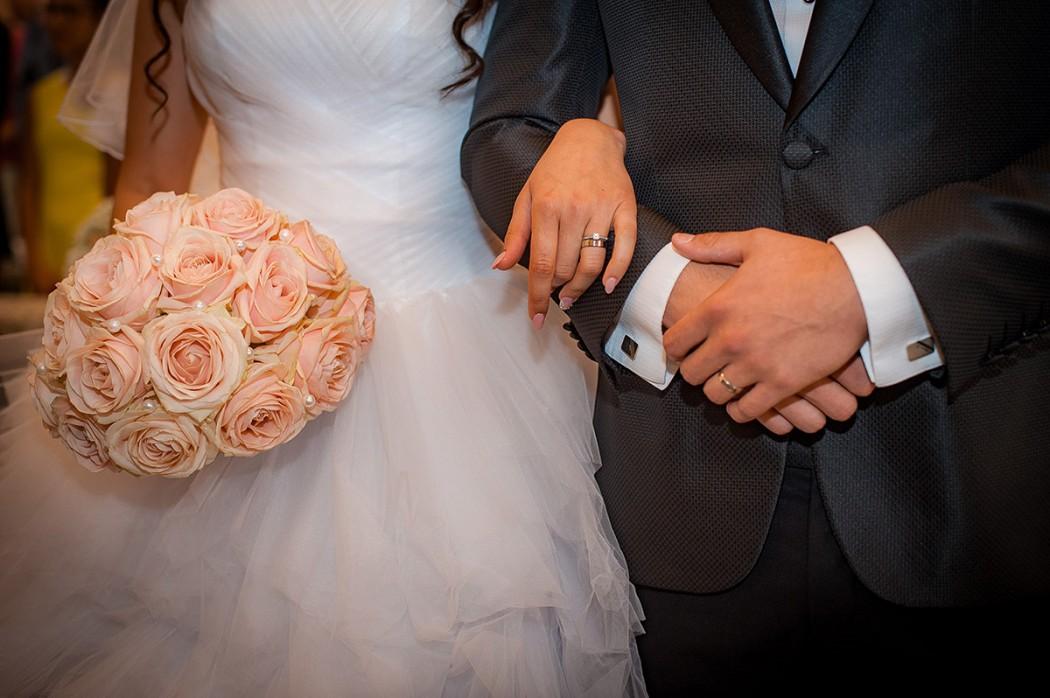 Růžová svatební kytice z růží. Svatební floristika Klára Uhlířová Brno