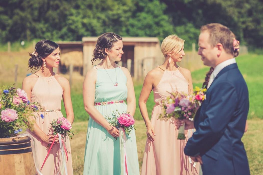 svatebni-kvetiny-pro-druzicky-svatebni-kytice-lucni-kvety-svatebni-floristika-klara-uhlirova-brno