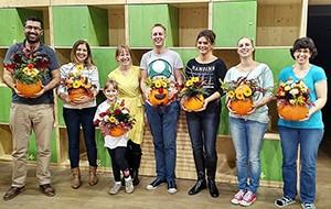 Floristické kurzy pro veřejnost - workshop Halloweenská květinová dýně. Floristika Klára Uhlířová, Brno.