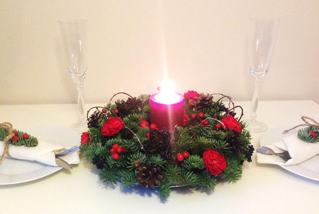 Vánoční dekorace na štědrovečerní stůl. Floristika Klára Uhlířová, Brno