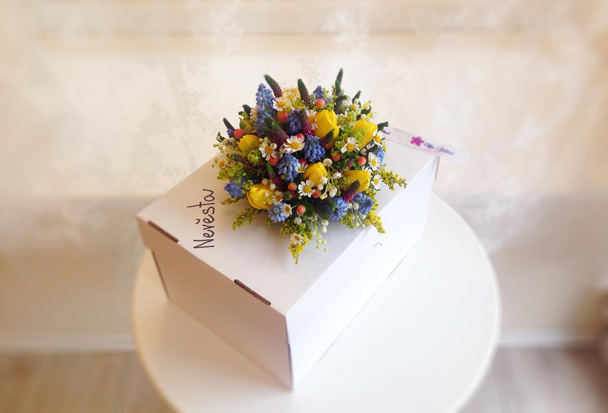 Svatební kytice z tulipánů a jarních květin. Floristika Klára Uhlířová Brno