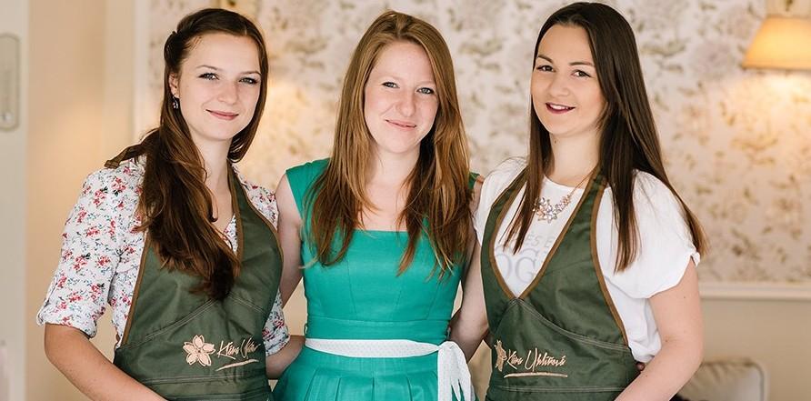 Květinový tým společnosti Svatební květiny Klára Uhlířová Brno