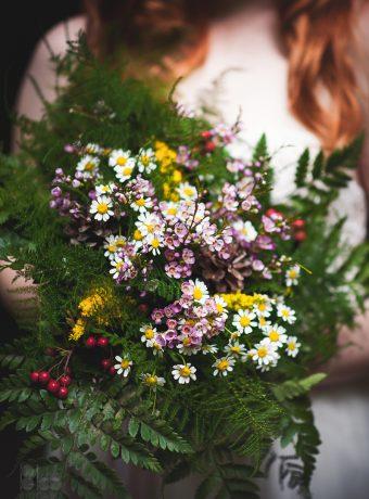 lesni-svatebni-kytice-barevna-svatebni-floristika-klara-uhlirova-brno