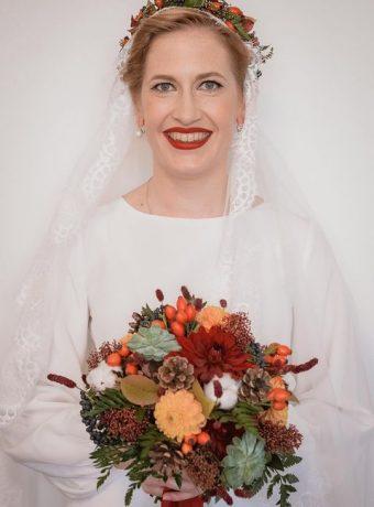 Podzimní svatební kytice a věneček do vlasů. Svatební květiny Klára Uhlířová Brno